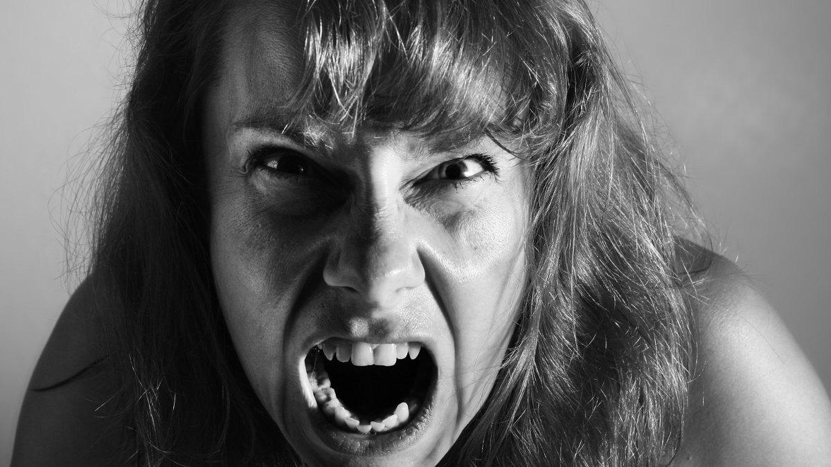 Женщины истерички картинки