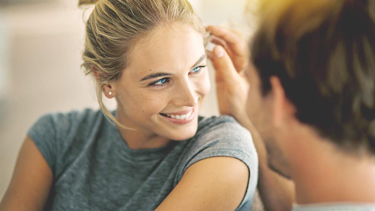 Как вести себя с мужчиной: тонкости и хитрости женского поведения